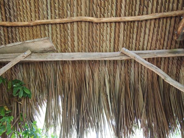 干し草の屋根詳細