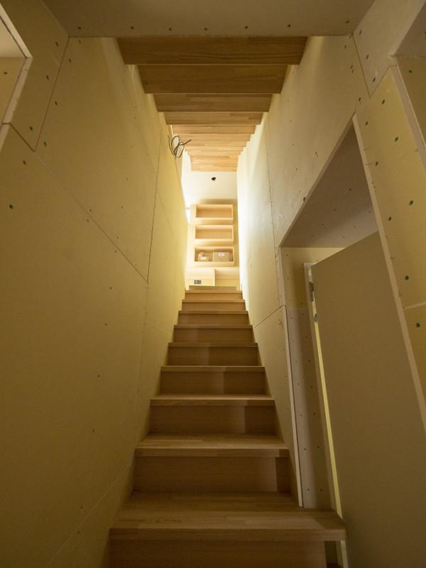 下馬の家 内覧会 階段