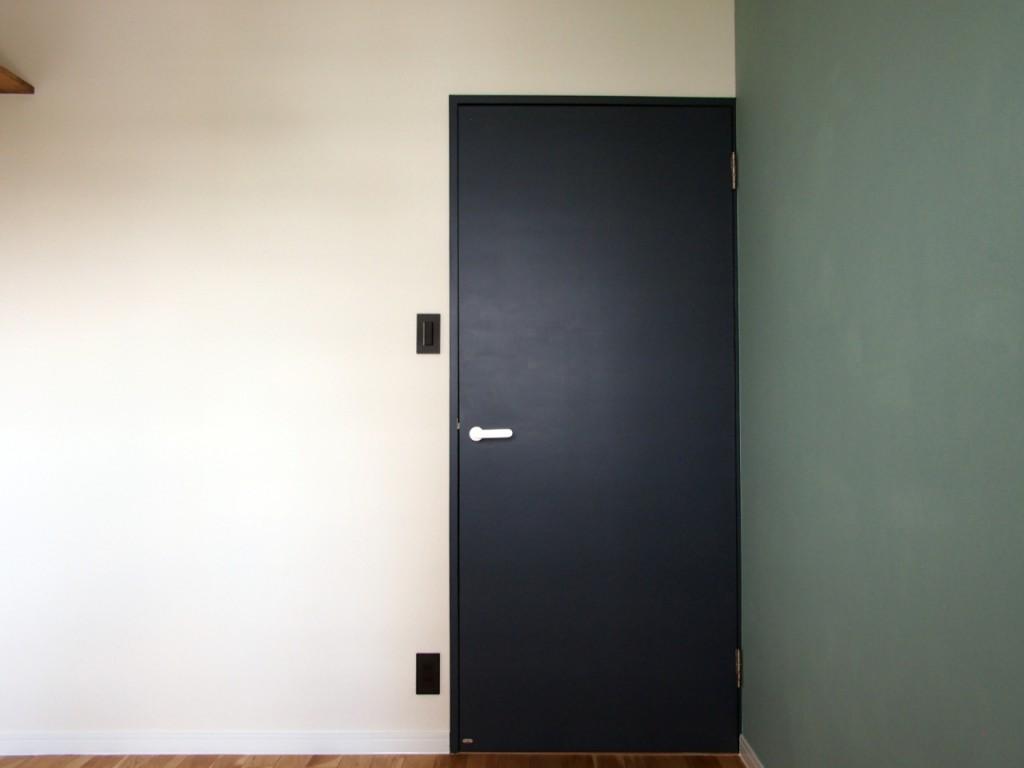 施主塗装による個室