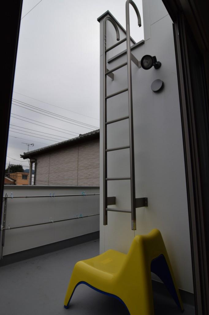 増築ルーフバルコニーへのはしご