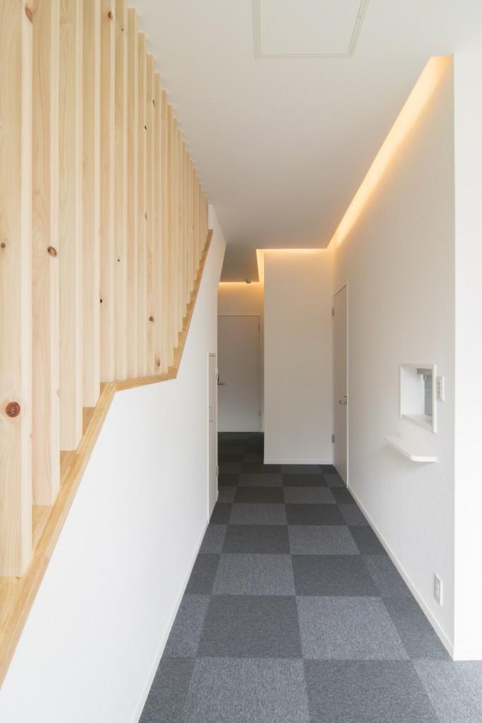 廊下と間接照明