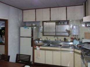 以前のキッチンはとても暗かった