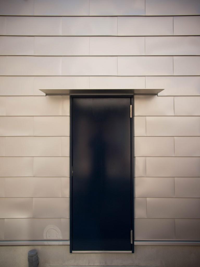 玄関ドア(勝手口)