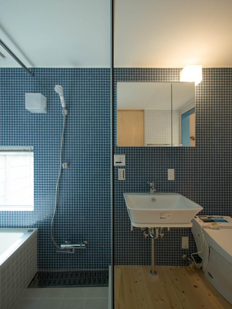 浴室とアメニティスペース