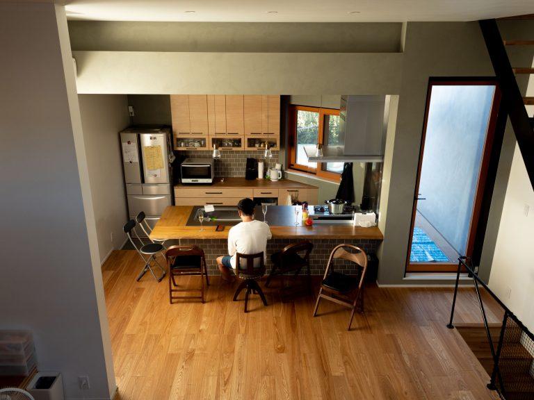 12house 勉強スペースからキッチン