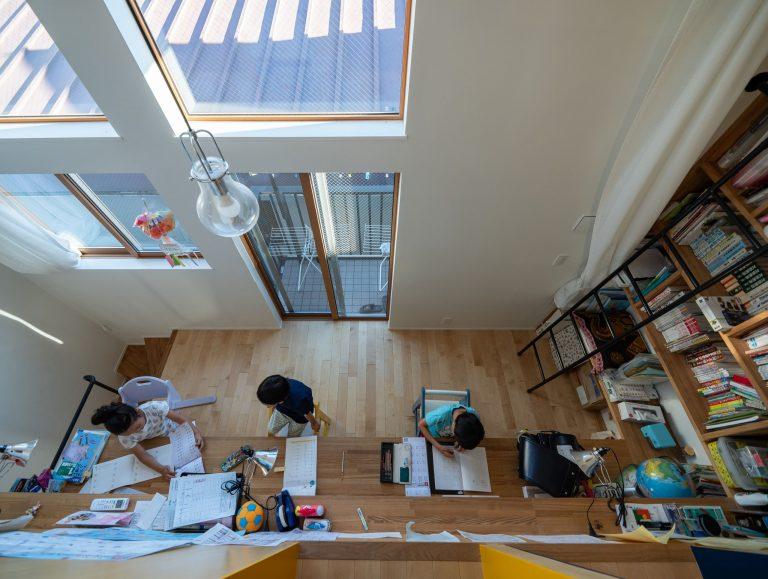 12house 個室から勉強スペース