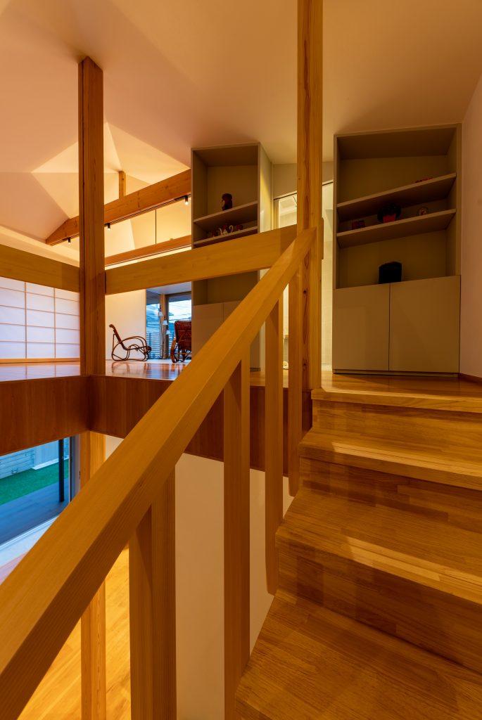 階段から2階