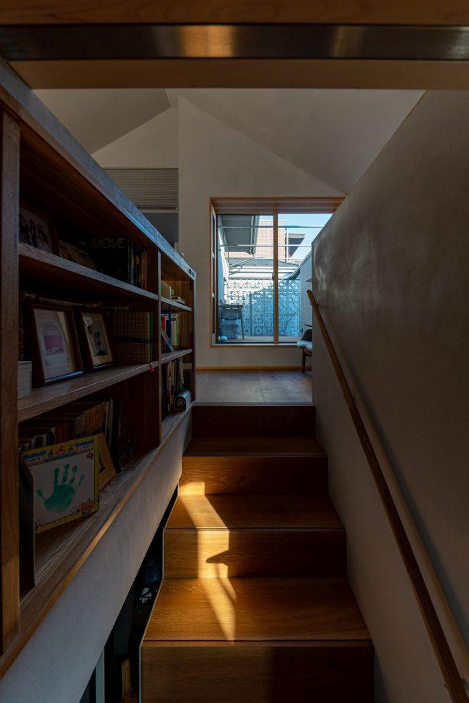 階段からルーフデッキ